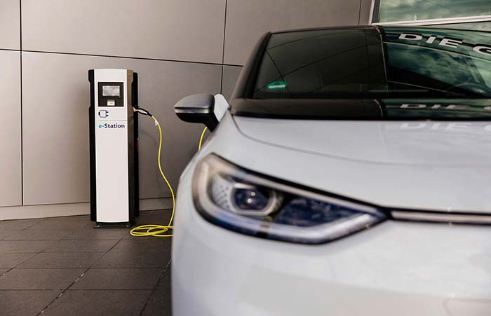 Volkswagen significantly expands charging infrastructure